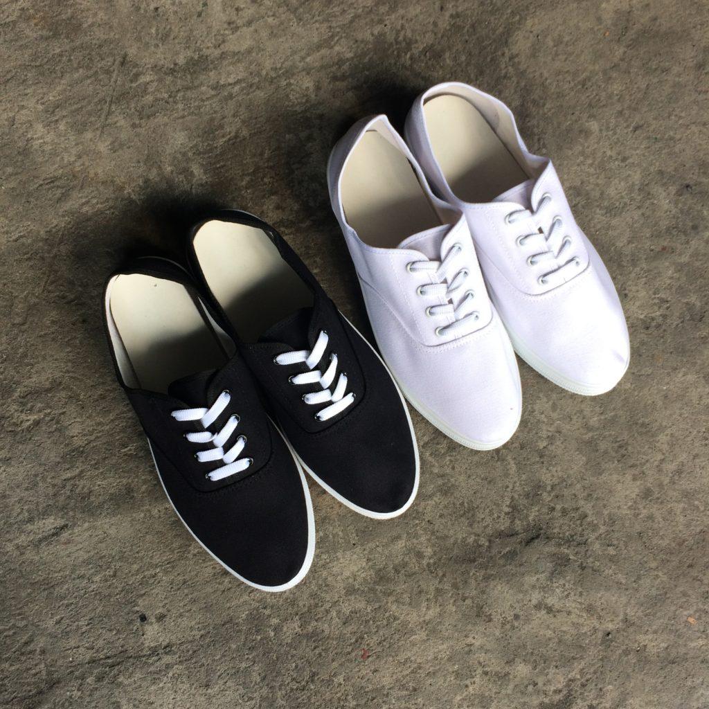 2 Canvas Shoes